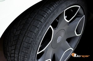tire-428515_640-300x198